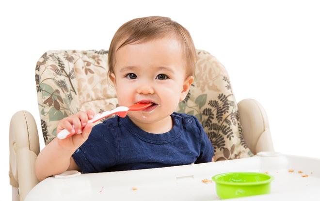 Chuyên gia dinh dưỡng chia sẻ bí quyết cho con ăn dặm giúp trẻ phát triển vượt trội